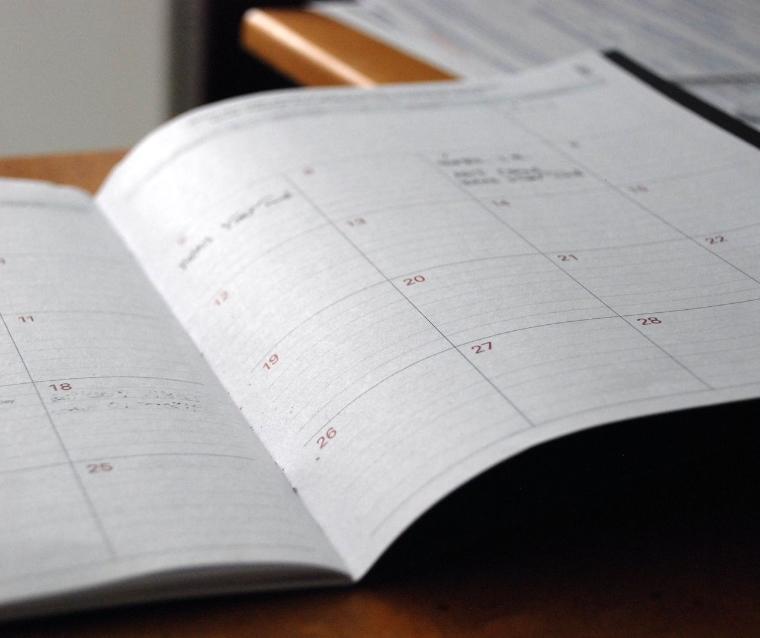 Травень: календар звітності і сплати податків, зборів